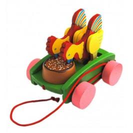 Сувенирна дървена фигурка - количка с животни