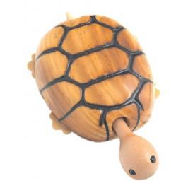 Сувенирна дървена фигурка - костенурка с колелца