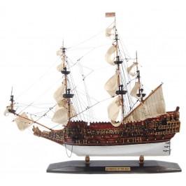 Сувенирен ветроходен кораб - макет, изработен прецизно в детайли от полирезин