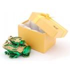 Стилно декорирана кутийка за бижута във формата на жаба с малкото си - фаберже