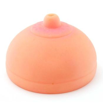 Забавна капачка за кенчета във формата на женска гърда