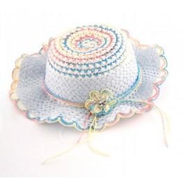 Красива плетена лятна шапка с декоративно цвете