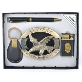 Подаръчен комплектът, включващ ключодържател, сувенирна запалка, химикал, метален пепелник