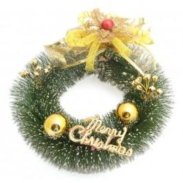 Декоративен коледен венец от зелени изкуствени клонки с надпис - Весела Коледа
