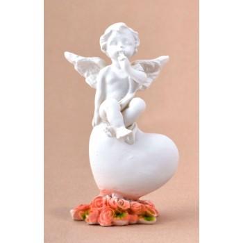Декоративна фигурка - ангел върху сърце