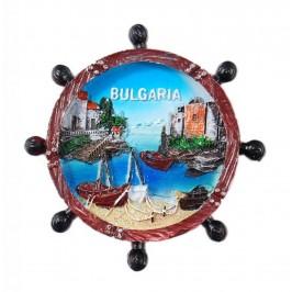 Сувенирна магнитна фигурка във формата на рул с изобразени - къщички и лодки