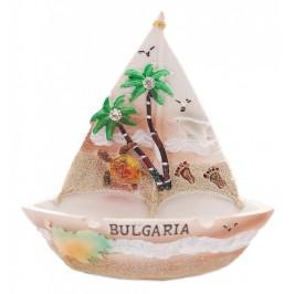 Сувенирен пепелник във формата на платноходка с палми и надпис България