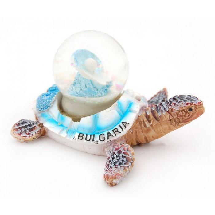 Декоративна фигурка - преспапие във формата на костенурка, носеща на гърба си мида с перла