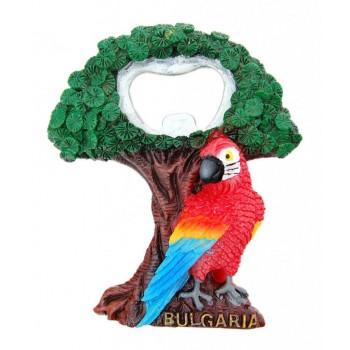 Сувенирна магнитна фигурка - отварачка във формата на папагал до дърво, България