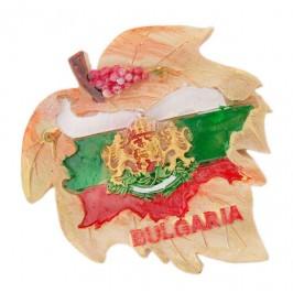 Сувенирна магнитна фигурка - листо с грозде, карта на България с цветовете на българския трикольор и герб