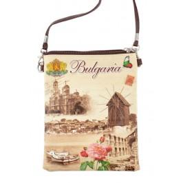 Сувенирна чантичка от изкуствена кожа с изобразени: катедралата във Варна, старата мелница в Несебър и надпис България