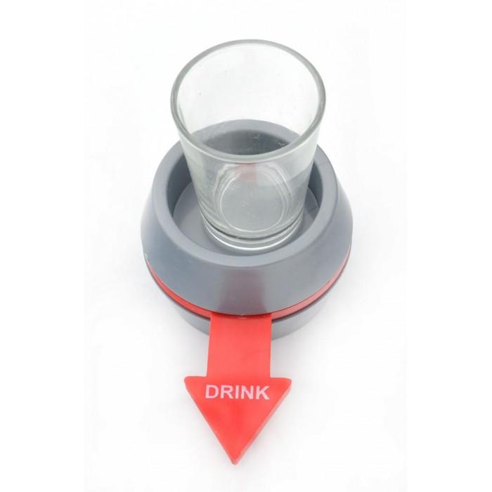 Парти игра за надпиване, състояща се от поставка със стрелка и шот чашка