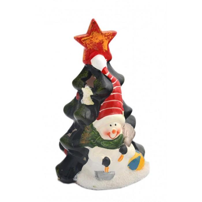 Декоративен свещник във формата на елхичка с коледна фигурка