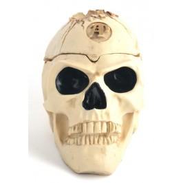 Сувенирен пепелник във формата на човешки череп