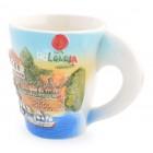 Сувенирна керамична чаша с релефно изображение на къща до морето и логото на България