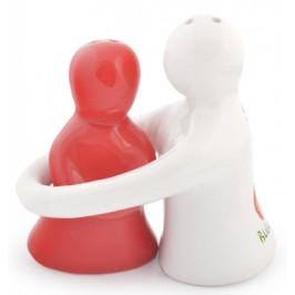 Забавни декоративни солнички във формата на мъж и жена в прегръдка
