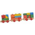 Дървено влакче от кубчета и фигурки