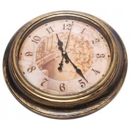 Красив стенен часовник в ретро стил
