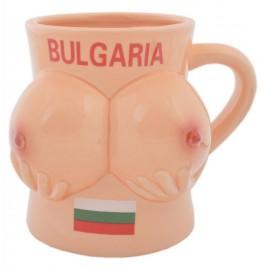 Сувенирна керамична чаша във формата на женски гърди