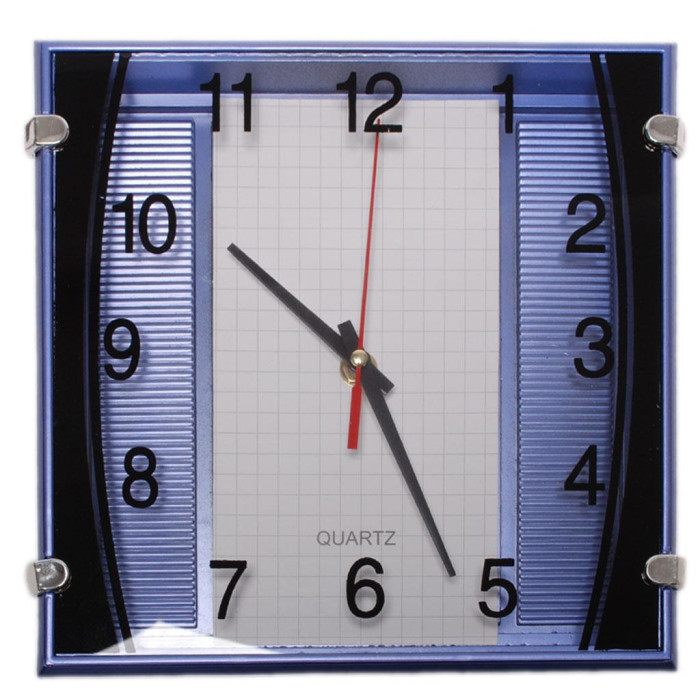 Стенен часовник с арабски цифри