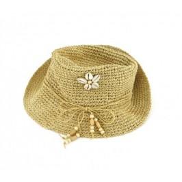 Красива дамска плетена шапка с декорация миди и дървени орнаменти