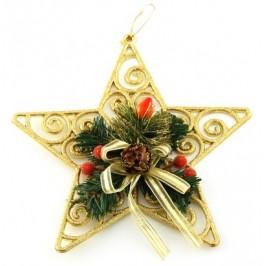 Коледна звезда украсена с красиви декоративни борови клонки и шишарки