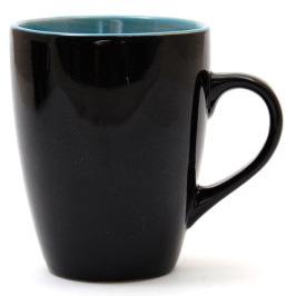 Черна порцеланова чаша за топли напитки с цветна вътрешност