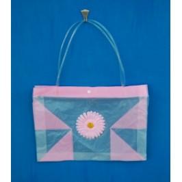 Лятна чанта PVC с декоративно цвете
