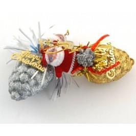 Коледна украса - Дядо Коледа с две шишарки