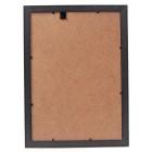 Стилна рамка, изработена от PVC материал, фронт стъкло и кукичка за окачване на стена
