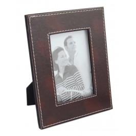 Декоративна рамка, изработена от изкуствена кожа, фронт стъкло и гръб с поставка