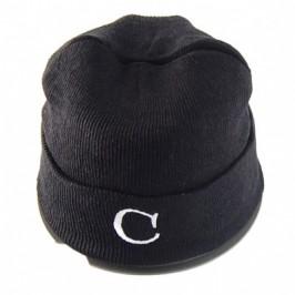 Плетена мъжка зимна шапка с бродерия