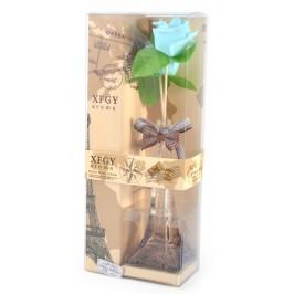 Подаръчен комплект - ваза във формата на Айфеловата кула, цветя и ароматизатор