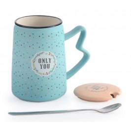 Красива керамична чаша с капаче и метална лъжичка, декорирана с надпис - Only you