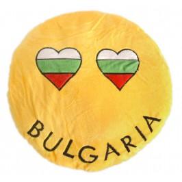 Плюшена възглавничка, декорирана със сърца и надпис България