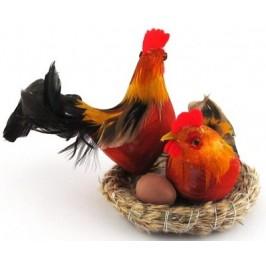 Декоративни фигурки в кошничка - петле, кокошка и едно яйце