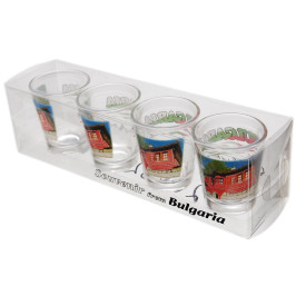 Комплект четири броя сувенирни стъклени чаши с декорация - старинна къща