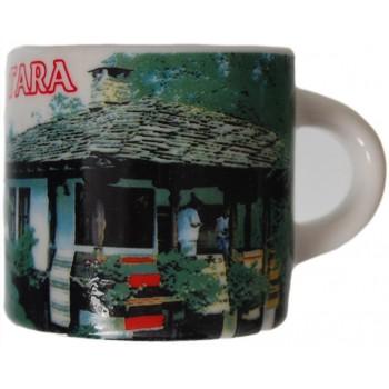 Сувенирна чаша с магнит, гравирана със старинна къща от Етъра