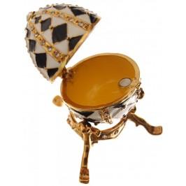 Кутийка за бижута - яйце на Фаберже, инкрустирано с камъни