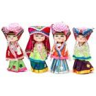 Сувенирна дървена кукла в носия