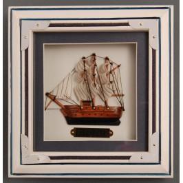 Сувенирно мини пано - кораб в рамка дърво, фронт - стъкло
