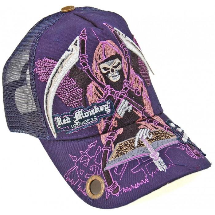 Спортна лятна шапка от плат с козирка и апликация