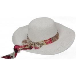 Лятна дамска плетена шапка - бяла