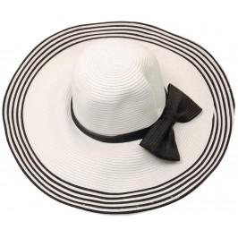 Красива дамска шапка с голяма периферия - бяла