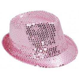 Красива плетена шапка с периферия извита нагоре - бледо розова