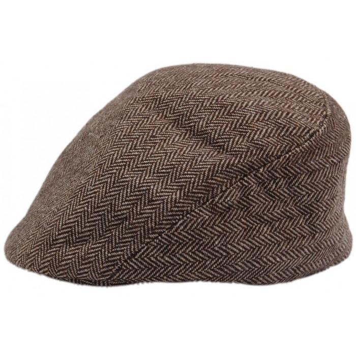 Зимна шапка тип каскет от плат с мини козирка