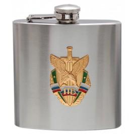 Сувенирна метална манерка, Декорирана с метална емблема - руски мотиви