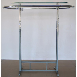 Метален стелаж със стъклен рафт над него
