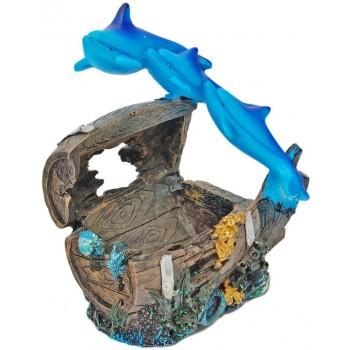 Декоративна фигурка - три делфина върху сандънк, изработена от полирезин