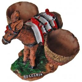 Декоративна фигура - магаре с два коша върху поставка с надпис България